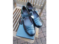 Brand new in the box Cushion Walk Mary Jane shoes size 7