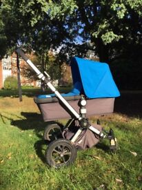 Bugaboos chameleon pushchair with toys in great used condition for sale