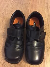 Kids black School Shoes Size 5
