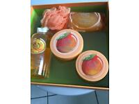 Body shop new luxury large mango gift set .