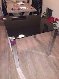 Cargo glass top table