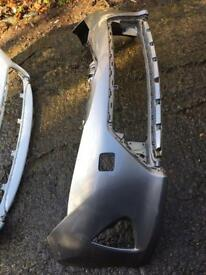 2014 Toyota Auris hybrid front bumper and grill can post