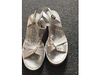 Clarks sandals size 5