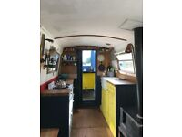 Narrow Boat 32 ft, Lister engine, double bed, living area, kitchen, wet room - moored River Lea