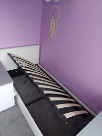 Single ottoman bed white