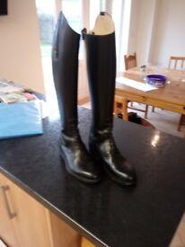 Regali Ricchi Knee-length Riding Boots, size 7