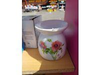Ceramic Oil Burner with Rose design - Brand New In Box £4