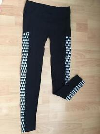 Black & white gym leggings w. pockets