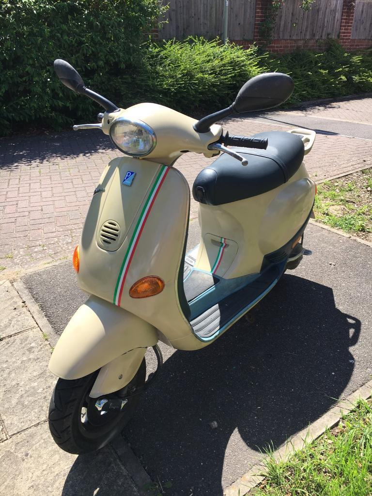 vespa et2 50cc 2002 in vintage cream with 15k miles in. Black Bedroom Furniture Sets. Home Design Ideas