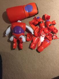Baymax assemble figure and shooting hand