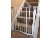 bundle of 4 x Safety Gates for only £25 - Lindam / Mothercare / Safety First