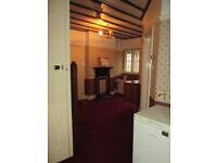 I HAVE TWO ROOMS AVIALABLE FOR SINGLE PERSON ALL BILLS INC