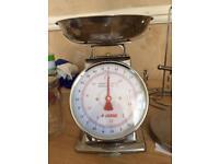 Retro kitchen scale NE2
