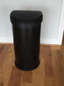 Push top bin, black