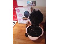 Pink waffle maker used twice great condition