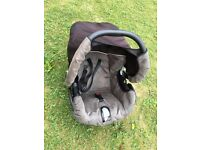 Mothercare Car Seat (used), in very good condition