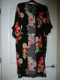 NEW /TAGS BLACK FLORAL KIMONO SIZE MED 14/16 RRP £30 £9