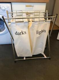 Washing basket - light and dark