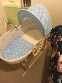 Clair du Luna Moses basket and rocking stand