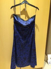 Ladies Oasis size 10 evening dress, good condition from pet and smoke free home