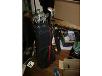 Complete set of Golf glubs +1 with bag £30 ono