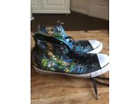 Size 9 Custom Green Arrow Converse