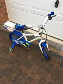 Child's first bike stabilisers included