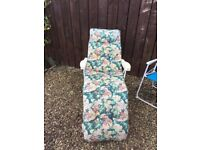 Garden padded reclining chair