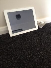 White IPad 2, 16GB *Excellent Condition*