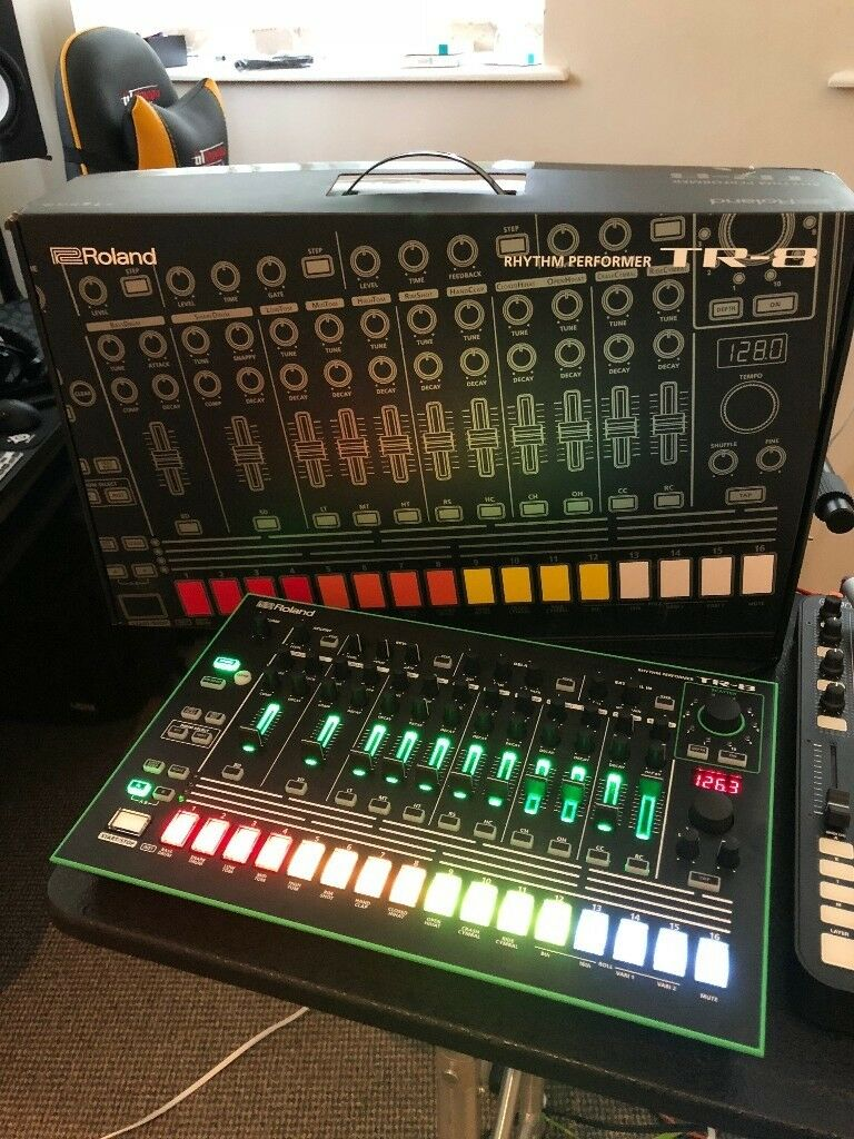roland aira tr 8 rhythm performer drum machine like new in leicester leicestershire gumtree. Black Bedroom Furniture Sets. Home Design Ideas