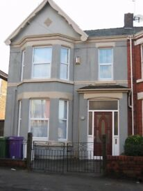 **NO FEES** ROOM IN SHARED HOUSE, ALL BILLS INC, WIFI