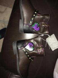 Disney store descendants boots size 11 new