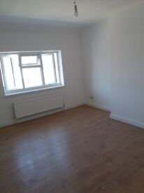 Newly refurbish spacious 4 bedroom terraced house to rent in Whitley area.