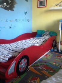 Racing car child bed