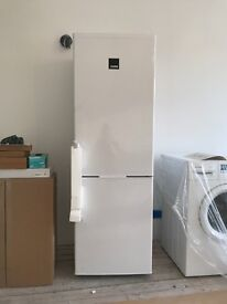 Zanussi ZRB23200WA Frost Free Freestanding Fridge Freezer Refrigerator RRP £349