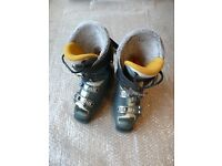 Ski Boots 'Rush No 8. Ladies size 6.