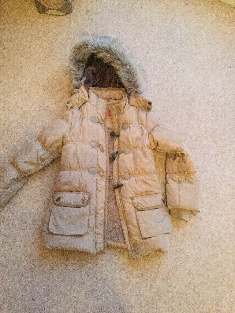 Girls coat age 5 to 6