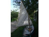 Unique Sailing Canoe - 465/94cms (15˖') Gatz-Kanu, Canadian-style Canoe with Lug-sail rig.