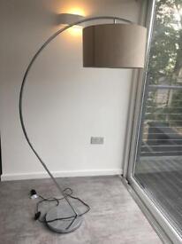 Ultra modern Lounge light reading