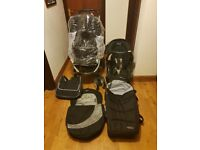Graco Quattro Deluxe Travel System- Includes push chair, car seat and base, carry cot, changing bag
