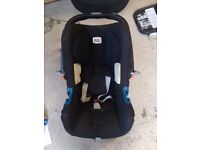 Britax babysafe plus shr II-BX complete with isofix base used but perfectly safe
