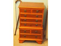 Beautiful wooden chest of drawers
