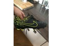 Nike Tiempo Size 4 Football Boots
