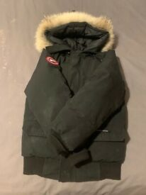 Canada goose / used Authentic / bomber / chilliwack