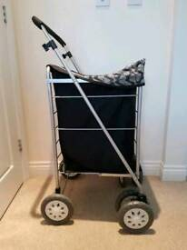 4 wheel shoppi g trolley