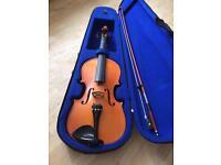 Violin in case like new