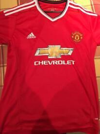 Manchester United football shirt size xl