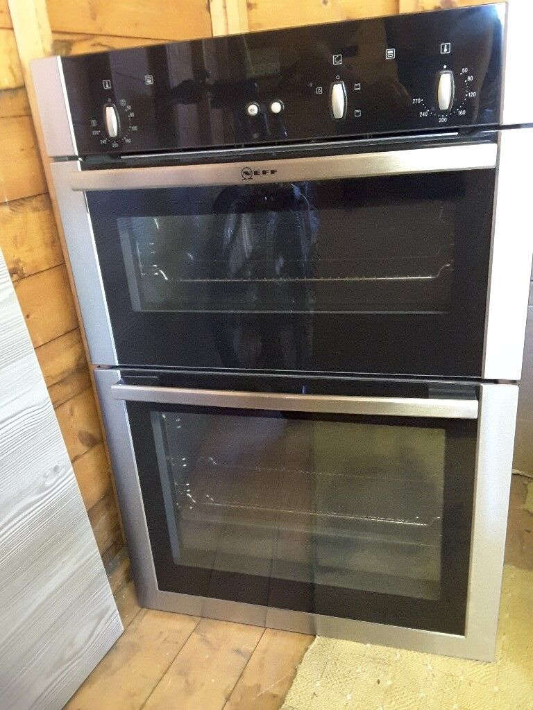 NEFF BUILT-IN OVEN 900mm Tall As Good As New!