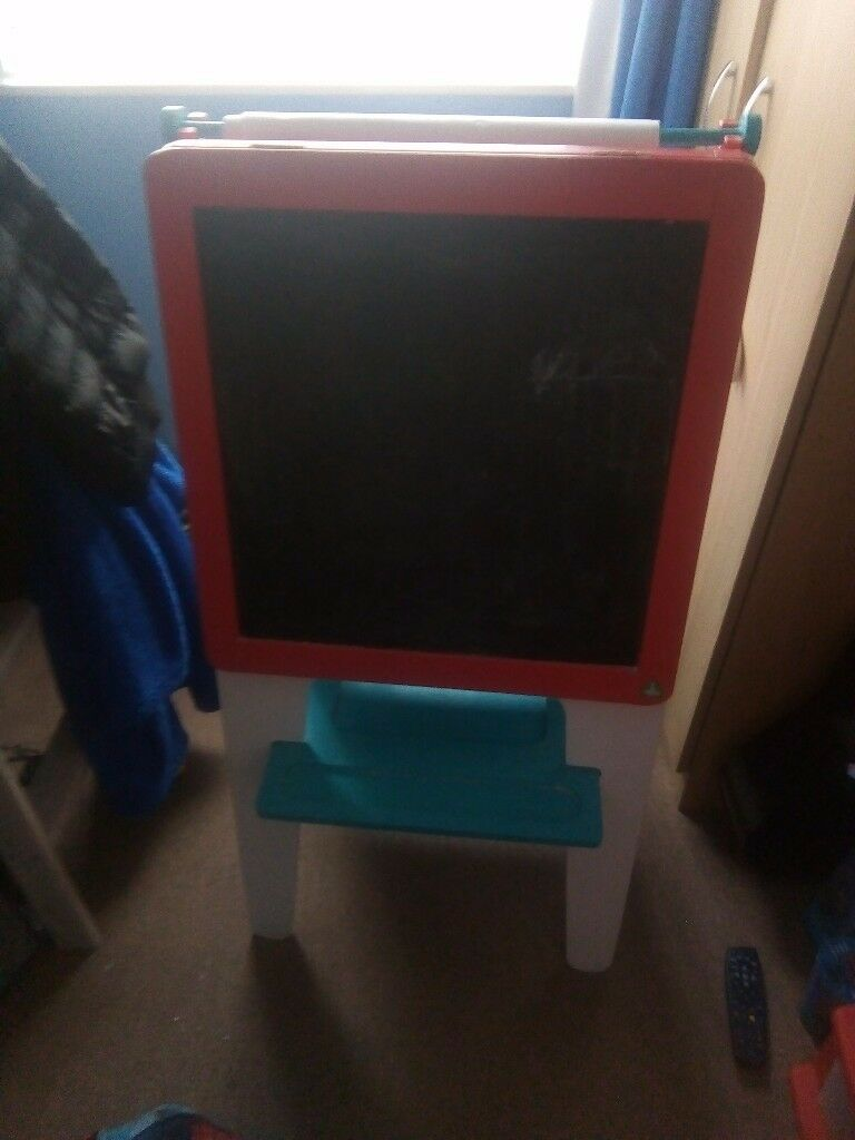 Elc kids chalk board n white board