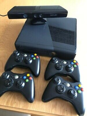 Microsoft XBox 360 Kinect Console with 4 Controllers